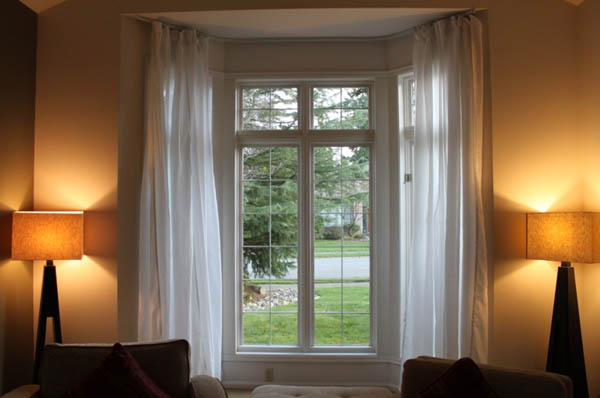 Using A Flexible Curtain Track For Your Bay Window Curtain