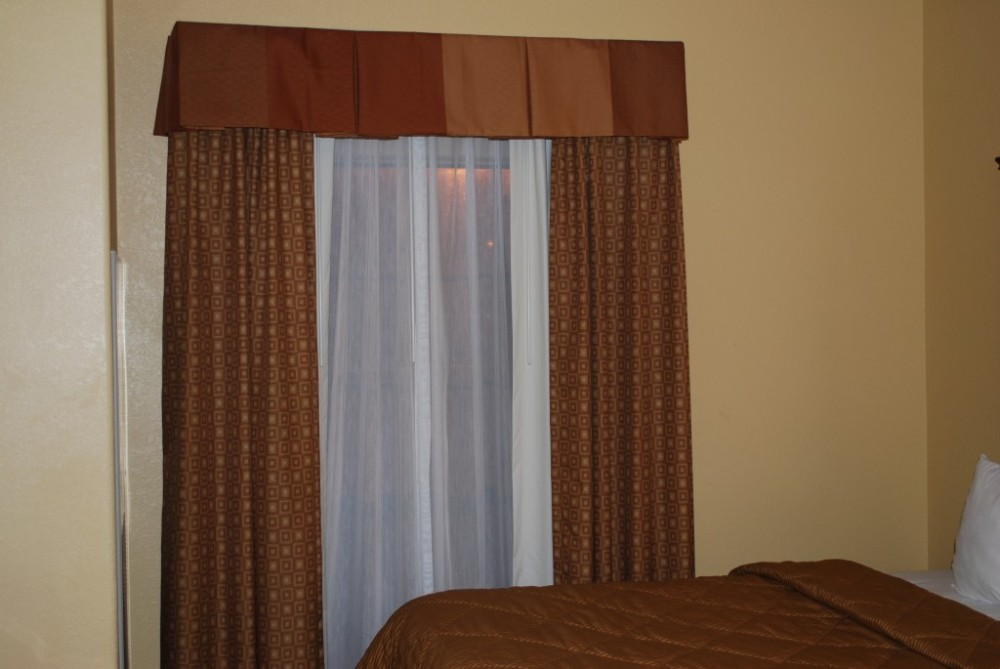 Curtains Amp Drapery Hardware Used In Hotels Curtain